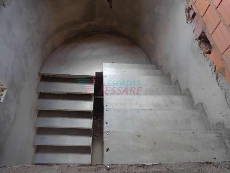 escadaemu-003