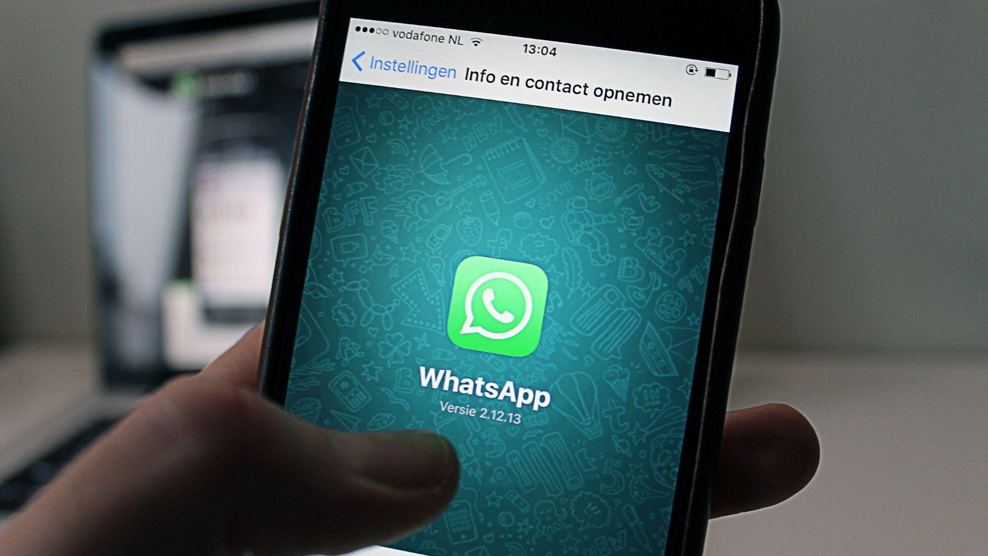 celular-com-whatsapp