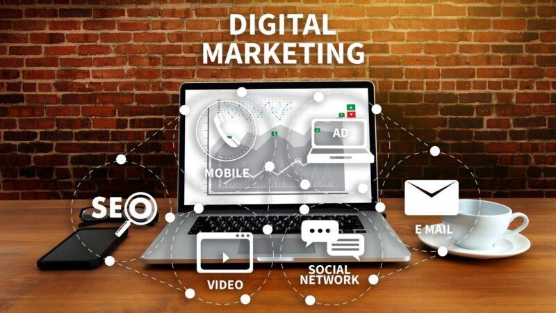contratar-especialista-de-marketing-digital