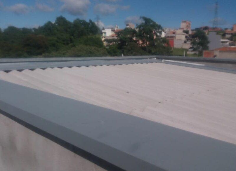 Calhas, rufos e manutenção de telhados