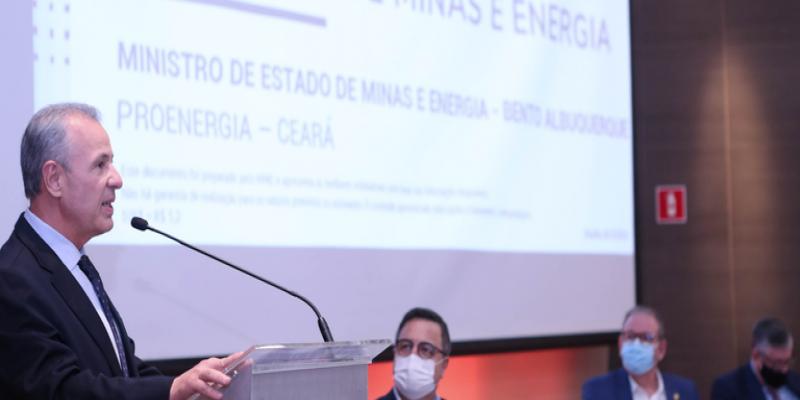 Ministro de Minas e Energia diz que o país vai passar por escassez hídrica em segurança — Português (Brasil)
